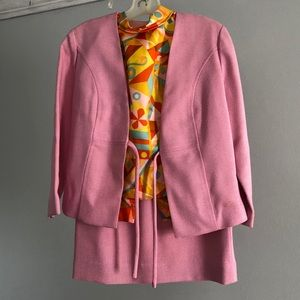 True vintage 1960s suit with skirt and blouse